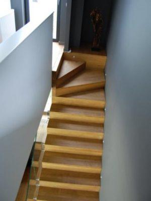 phoca_thumb_l_schody dywanowe 80mm drewniane 2
